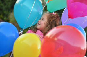 happy_girl_w_balloons_s